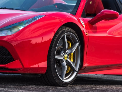 2 okruhy ve Ferrari 488 Spider